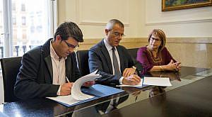 Firma convenio Colegio Abogados Valencia foto_Abulaila (2)