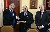 El Colegio de Granada dona más de 14.000 euros al comedor social de San Juan de Dios