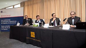 de izda a derecha:  Rafael Navas, director general de la Mutualidad, Ignacio de la Torre, ARCANO; Enrique Sanz Fernández-Lomana, presidente de la Mutualidad y José Antonio Herce, AFI