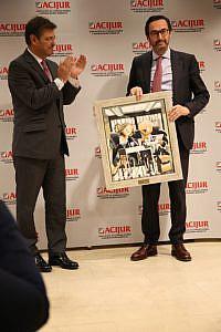 Puñetas Oro Ministro de Justicia entrega presidente Mutualidad