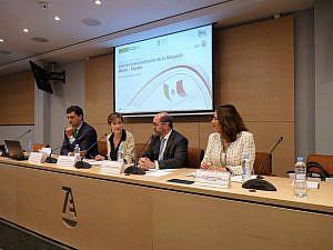 De izqda a dcha: Fco Javier Garzón, Victoria Ortega, José M de la Garza y Ximena Caraza-Campos
