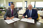 La Universidad Miguel Hernández y el Colegio de Alicante impulsan dos nuevas becas  para jóvenes letrados