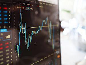 ¿Debe cumplir la emisión de criptomonedas y tokens la normativa de mercado de valores?