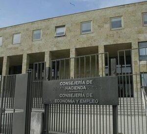 Los abogados podrán tramitar por vía telemática en Castilla y León declaraciones y deudas tributarias de sus clientes
